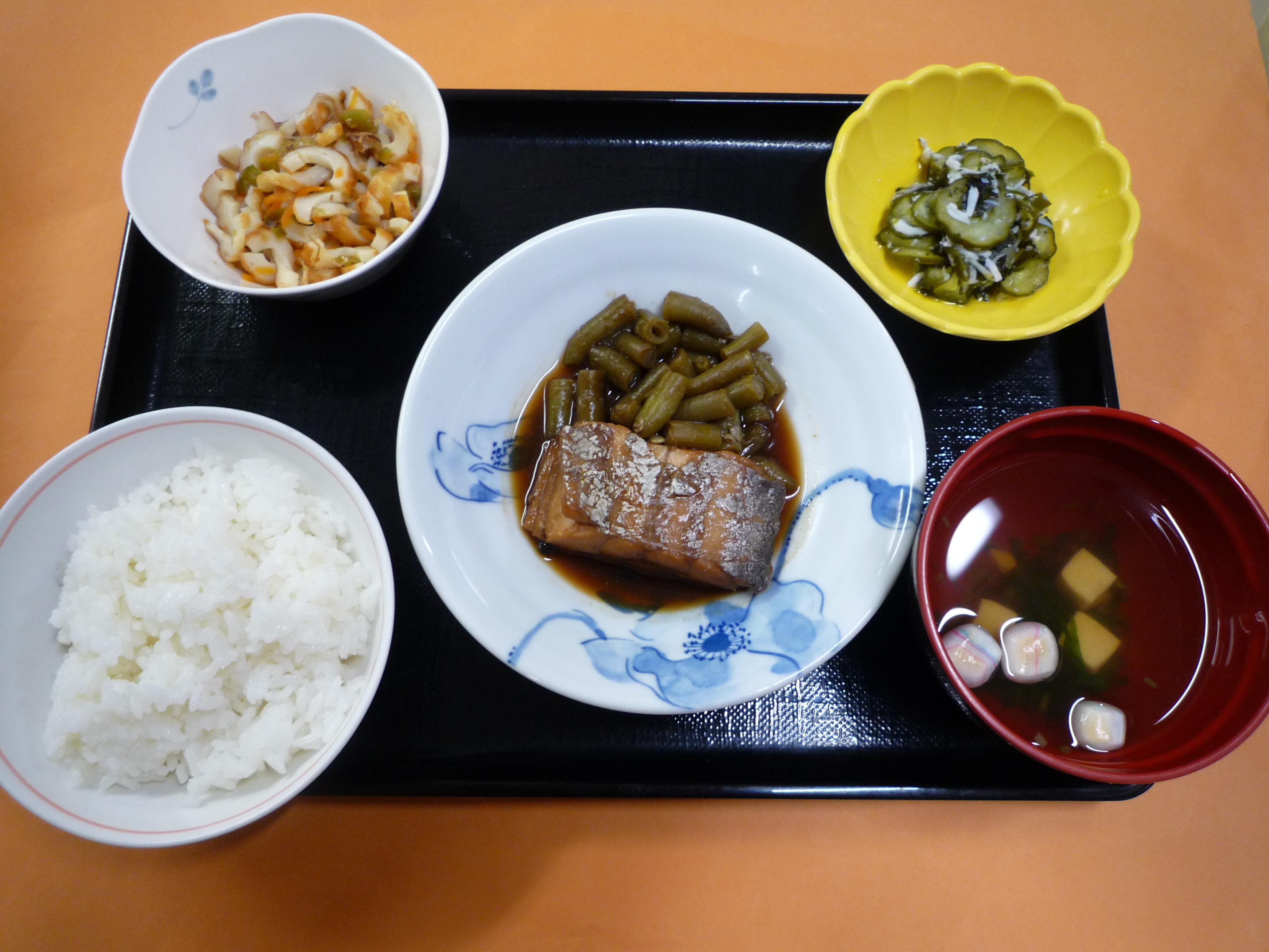 くみのき苑本部 太刀魚の粒胡椒煮