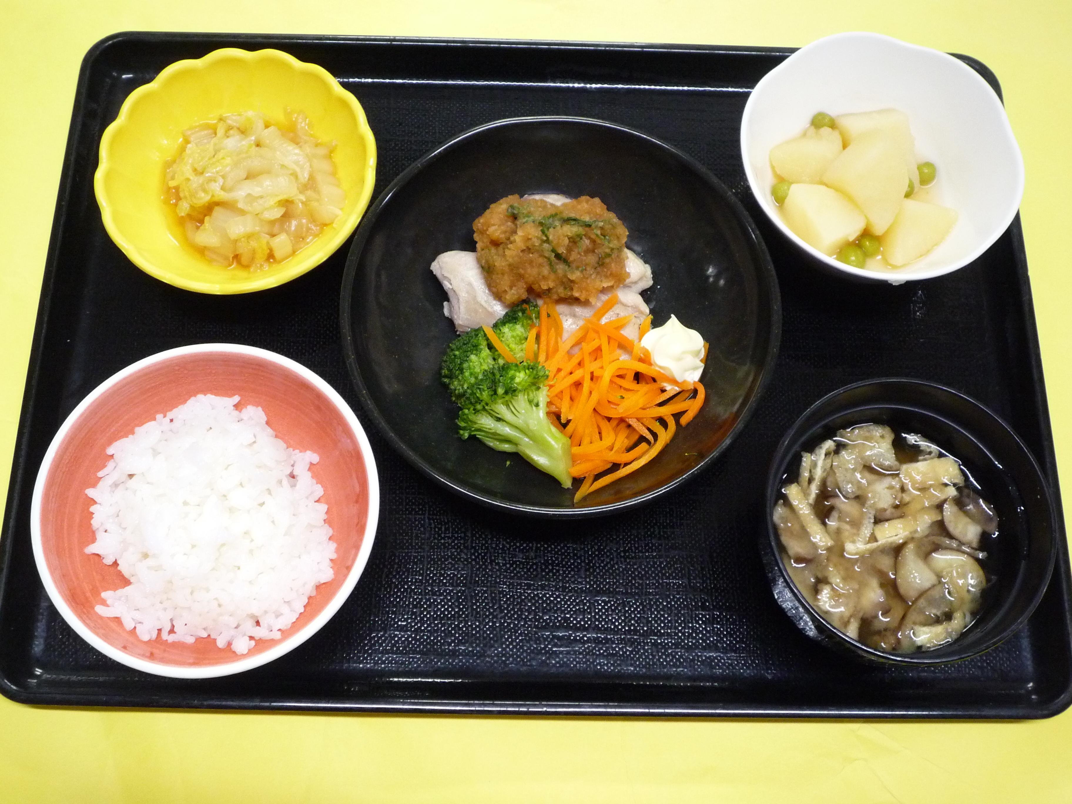 くみのき苑本部 チキンステーキ(卸ポン酢)