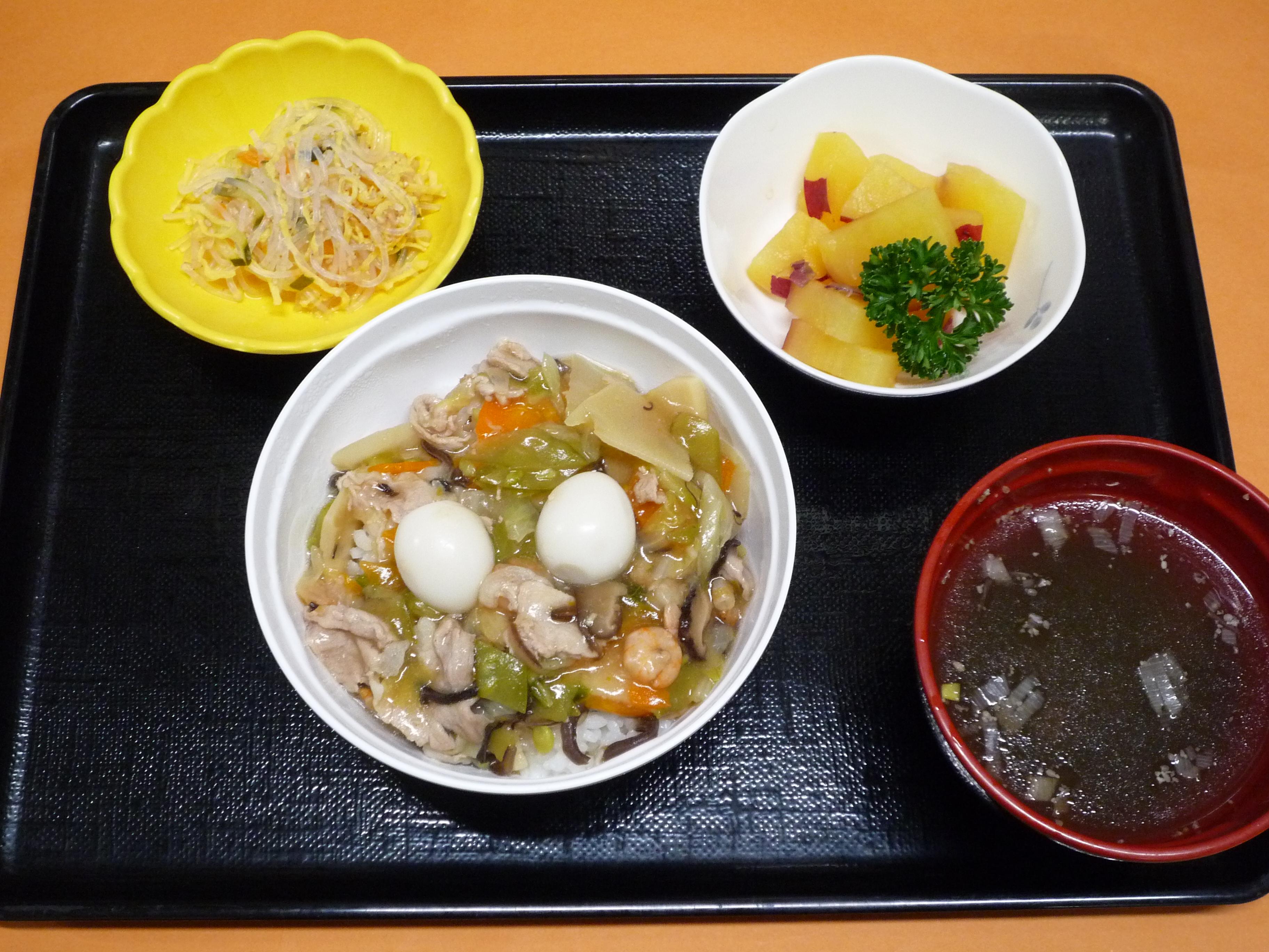 くみのき苑本部 中華丼