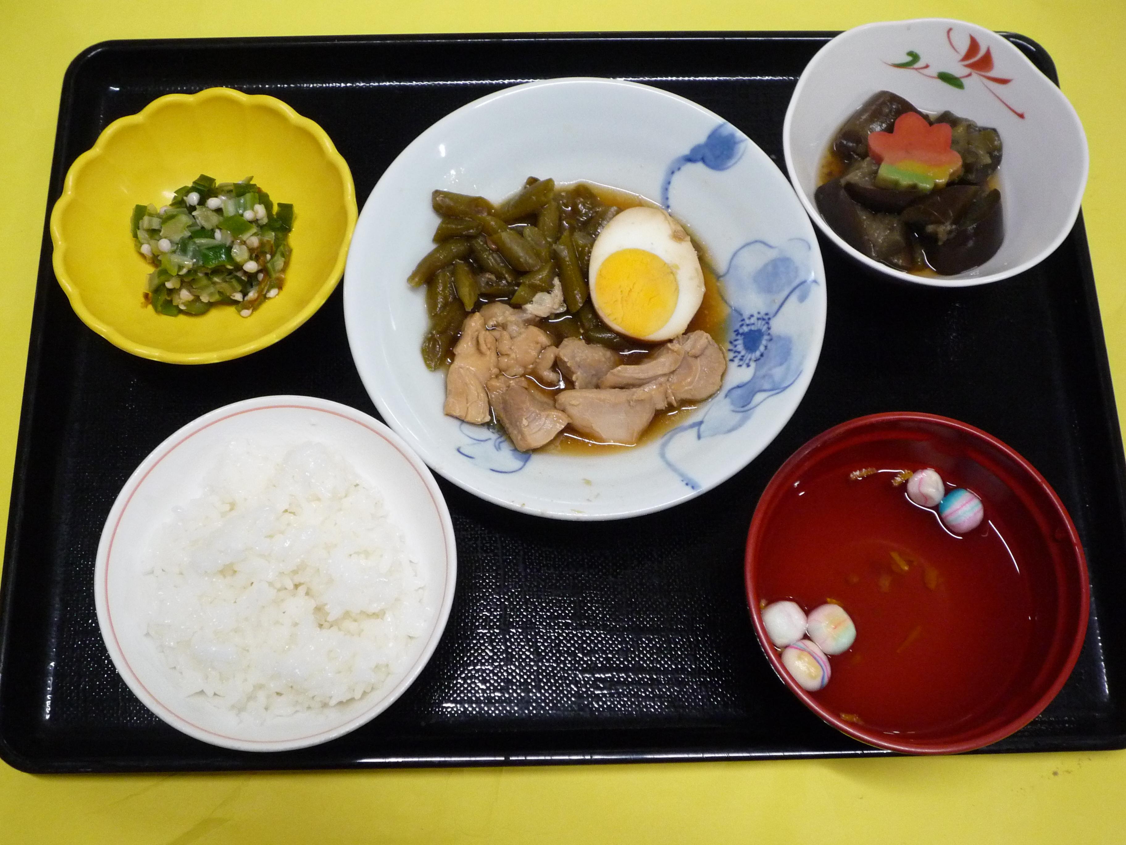 くみのき苑本部 鶏肉と卵のさっぱり煮