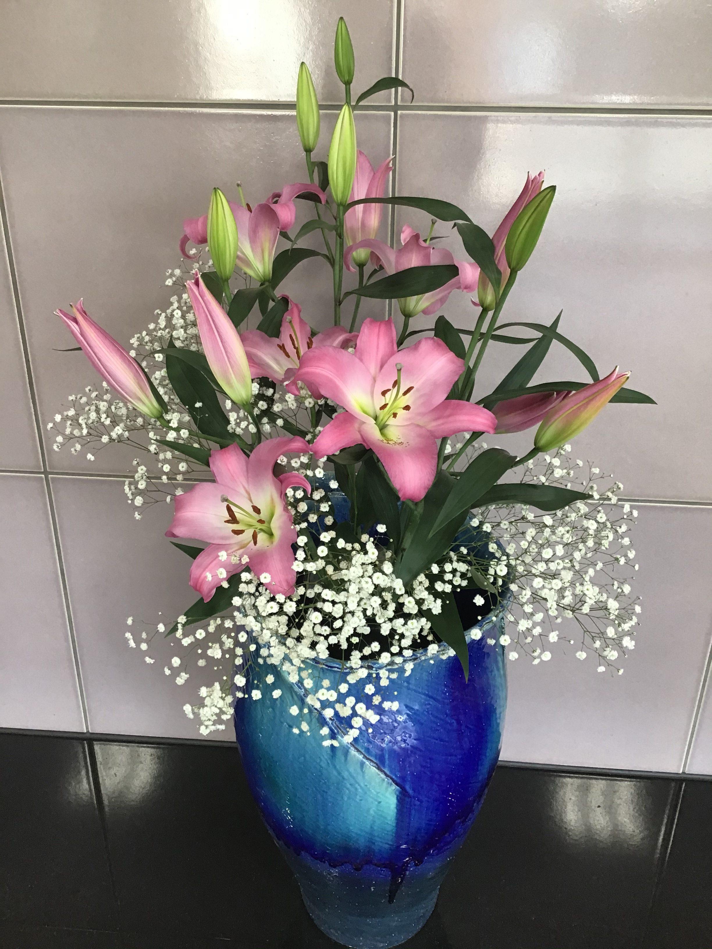 ☆玄関のお花(令和3年2月15日)☆